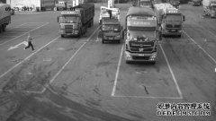 货车溜车司机用肉身挡车身亡,找保险公司索赔却被拒绝